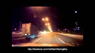 Cảnh tượng hãi hùng từ  Đua Xe Trái Phép  bị xe hơi ghi hình (Cầu Sài Gòn)
