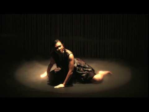 Ontosoroh - Peni Candra Rini (IND) & Ade Suharto (AUS) Trailer