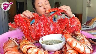 Eating Black Tiger Shrimp in Pattaya, Thailand | Yainang