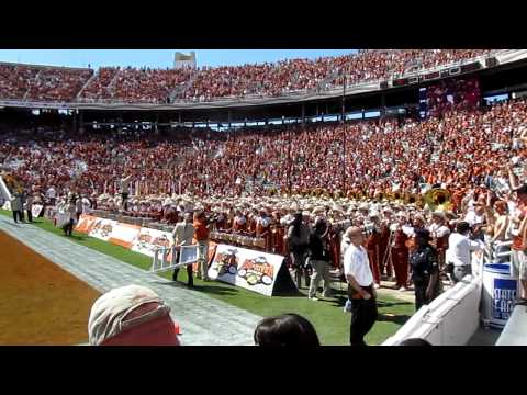 2010 Red River Rivalry - Texas Fight Song performed by the Longhorn Marching Band