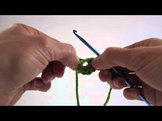 How to make a crochet magic ring (or magic circle / magic ring) | 480x640