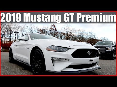 2019 Ford Mustang GT Premium Review & Exhaust Rev