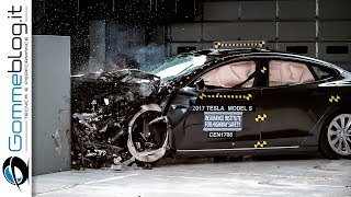 Tesla Model S 2017 CRASH TEST CAR Small Overlap IIHS [ Acceptable ]