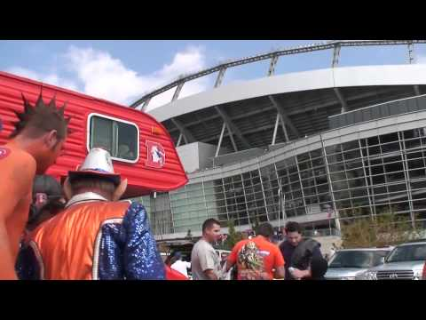 Mile High / Rocky Mountain Leprechaun in HD happy Denver Broncos NFL Fans CO USA tailgates!