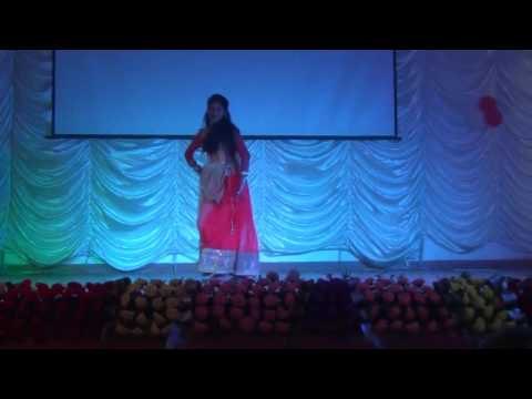 Solo performance of chirmi song