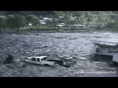 Tsunami in American Samoa - Wave Coming Ashore