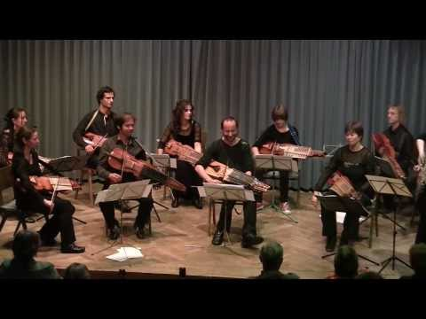 Members of the ENCORE Nyckelharpa Orchestra:
