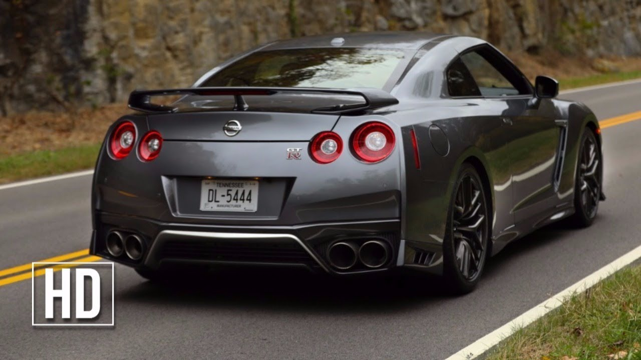 2018 NISSAN GT-R FIRST LOOK - YouTube