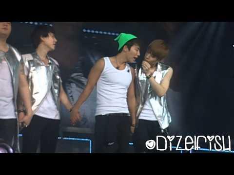 [HD FANCAM] 130602 Super Show 5 Jakarta ~ Closing ~ Thumb kiss