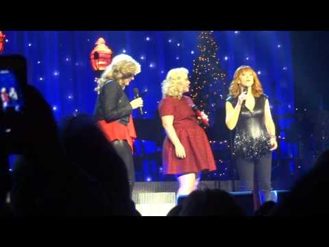 "Kelly Clarkson's Miracle on Broadway ""SILENT NIGHT"" Kelly Clarkson, Reba, Trisha Yearwood"