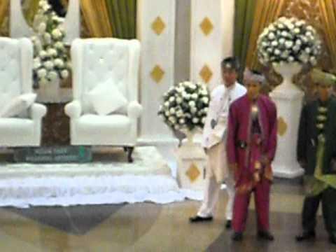 Gerard Catwalk White Malay Wedding Apparel Raja Sehari Contest..