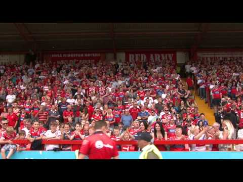 Hull KR fans sing-a-long to 'a little respect' Cup Final Charity Single