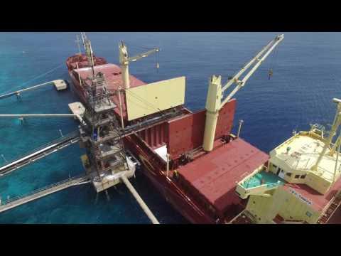Bonaire Salt Pans - Loading of a ship