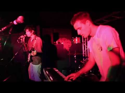 Beasty Traps - Sunday Curtains (Live)