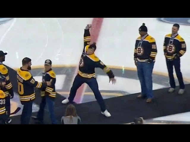 Rob Gronkowski spikes puck at TD Garden