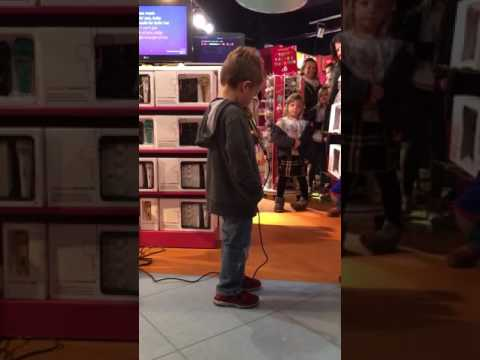 KISS KARAOKE AT HAMLEYS