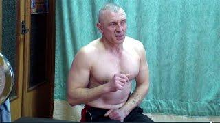 видео Что лучше для домашних тренировок: штанга или гантели