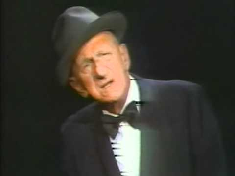 Jimmy Durante sings September Song 1972