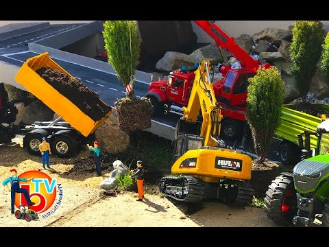 BRUDER Truck and Tractor Construction company Garden work