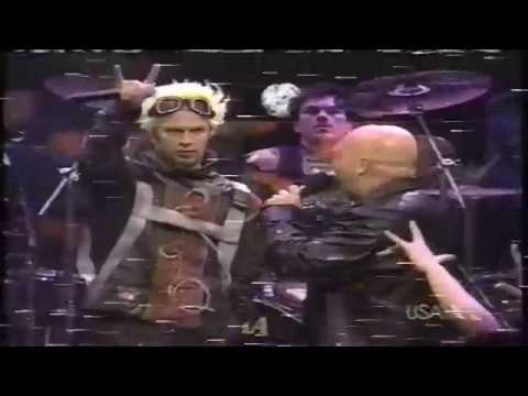 Powerman 5000 - When Worlds Collide (Live @ FarmClub + Short Interview - 2000)
