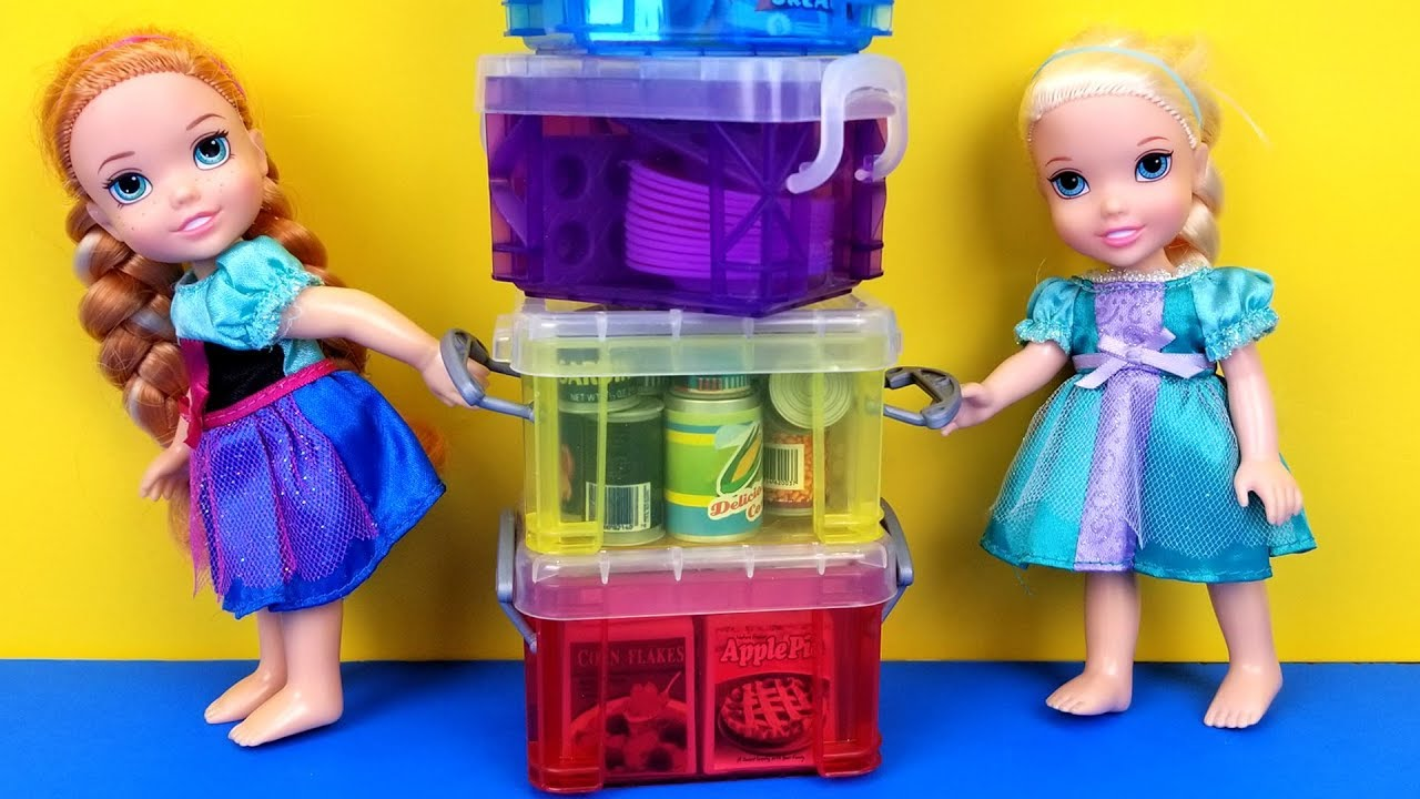 Elsa And Anna Toddlers Are Packing