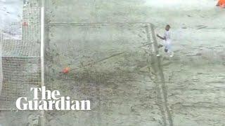 بالفيديو.. الثلوج تمنع هدفا محققا لهانوفر أمام ليفركوزن