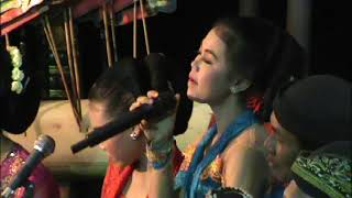 Video Sinden Cilik Suara Emas - Langgam Pepeling- Karawitan anak Ngudi Laras Songbanyu download MP3, 3GP, MP4, WEBM, AVI, FLV September 2018