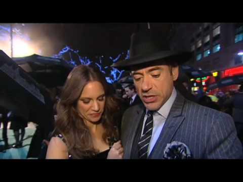 'Sherlock Holmes' World Premiere Footage
