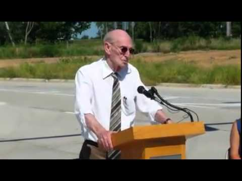 Marion Mayor Bob Butler comments during ribbon-cutting ceremony for new I-57 interchange in Marion