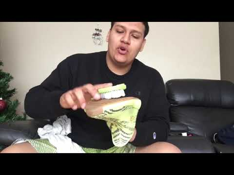 HOW  TO CLEAN YEEZY V2 WITHOUT EXPENSIVE PRODUCTS!!!!!!!!!