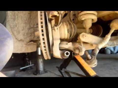 Замена сальниеа привода переднего моста nissan navara или pathfinder