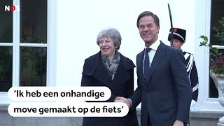 MARK RUTTE: Handen schudden gaat premier na fietsongelukje even niet heel goed af