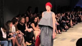 видео Русский стиль зимы 2018 года: женские валенки на модных подиумах