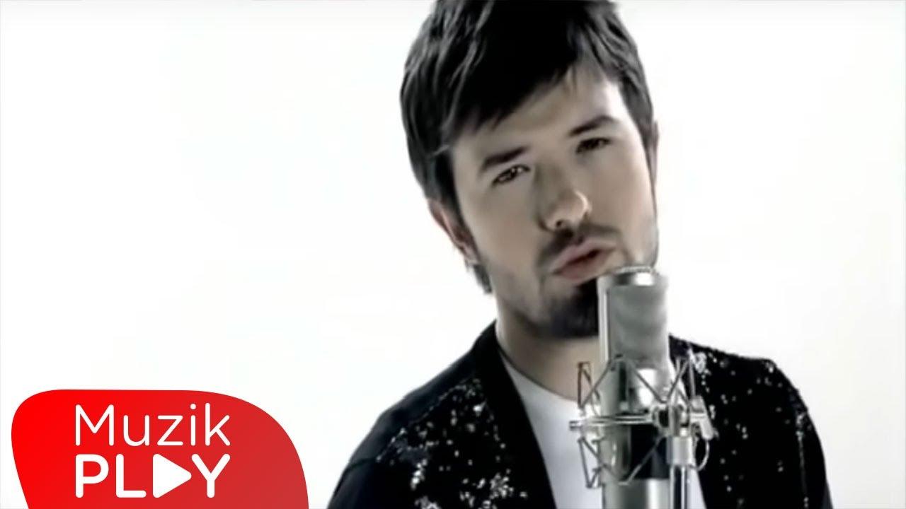 Download Yalın - Her Şey Sensin (Official Video)