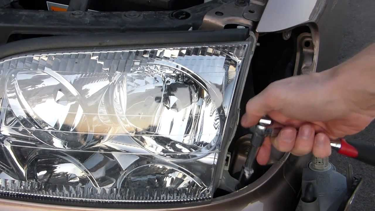How To Remove A Lexus Ls400 Headlight Youtube