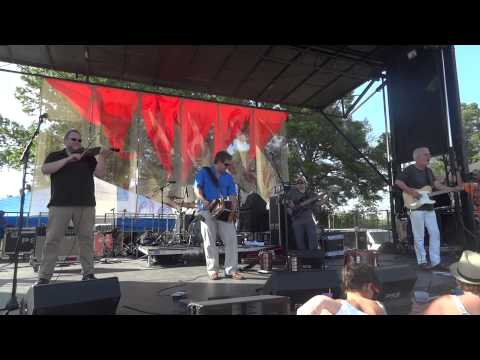 Steve Riley and the Mamou Playboys -