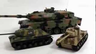Танковый бой на радиоуправлении Huan Qi +38 (097) 00-45-95-0(Видео обзор танков на р/у от Huan Qi. Более подробно на http://masha-dasha.com.ua/p10987960-tankovyj-boj-radioupravlenii.html Эту и другие игруш..., 2013-10-29T09:00:36.000Z)