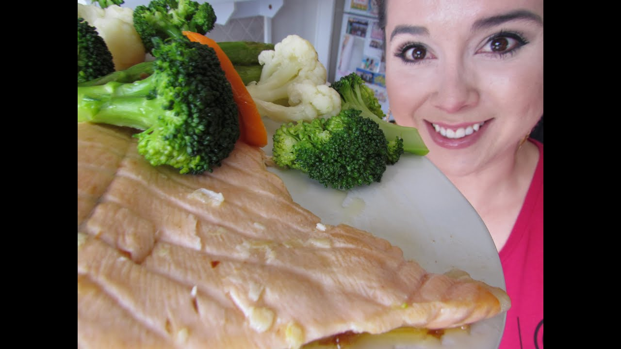 Como cocinar salmon sencillo youtube for Como cocinar salmon