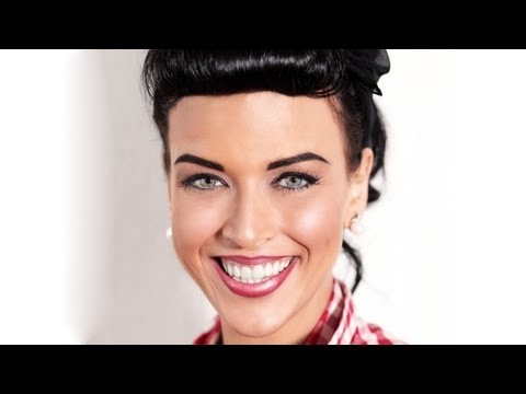 How To Make A 50 S Style Makeup