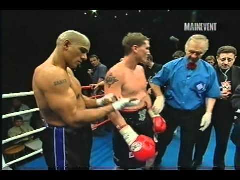 Paul Briggs vs Glen Kelly B