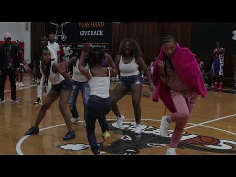 Vena .E & Ron Browz  Performing At Gauchos Gym - Shake Nation