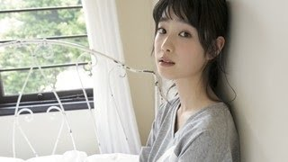 女優の高橋ひかる(15)が、26日発売の漫画雑誌『ヤングキング』(少年画報...