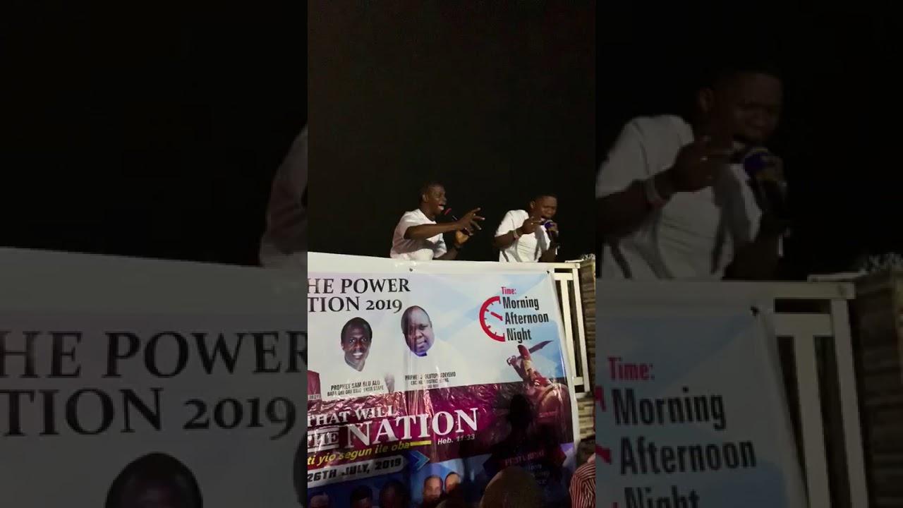 Download Aranbadatwins live at ikoyi mountain