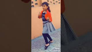Super dancing girl