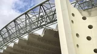 福島家郡山駅の近くにある建物、デザインが目を引きます。展示会やコンサートなどのイベント会場のようですが、建物自体の外装・内装を見る...