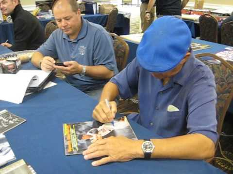 Maury Wills Signs Autographs for The SI KING 10-27-12