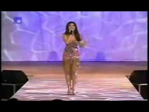 Nancy Ajram- Akhasmak Ah (live).mp4 - by are inma