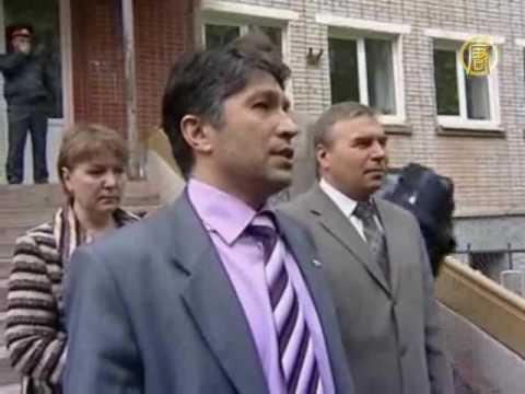 Офис мэра взяли штурмом жители Пикалёво