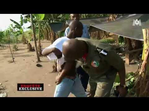 Abidjan, la police patrouille au Black Market d'Adjamé