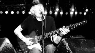 Watch Johnny Winter Tribute To Muddy video